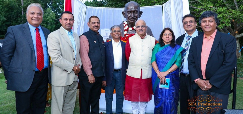 Unveiling of Bust of Mahatma Gandhi at Consulate by visiting dignitary President of ICCR, Sh. Vinay Sahastrabudhe
